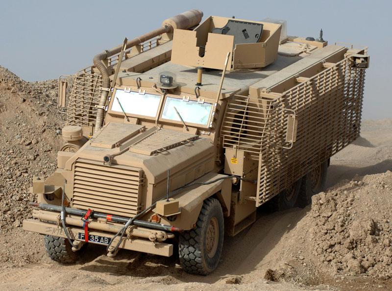 Mais de metade dos novos veículos blindados enviados para o Afeganistão está fora de serviço, o admitiu o Ministério da Defesa Britânico.